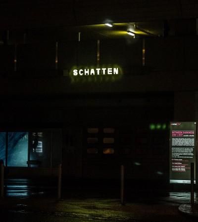 Untitled (Der Mensch – Schattenscheu)